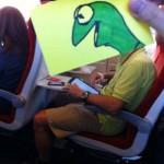 Návod, jak se zabavit ve vlaku: Kreslete lidem hlavy