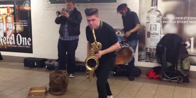 Muzikanti v metru