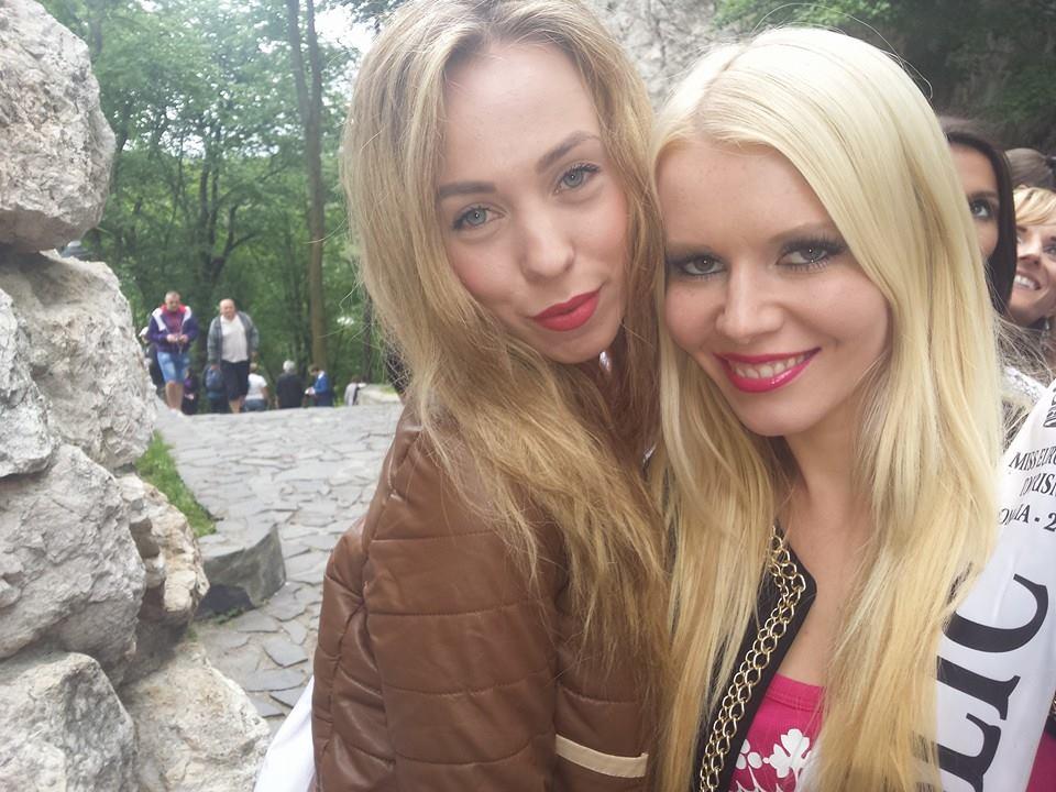Miss Czech with Miss Estonia!