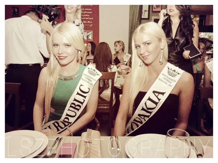 Miss Czech with Miss Slovakia!