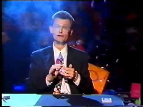 NEUVĚŘITELNÝ TRIK: Kouzelník pojídá zapálené cigarety!