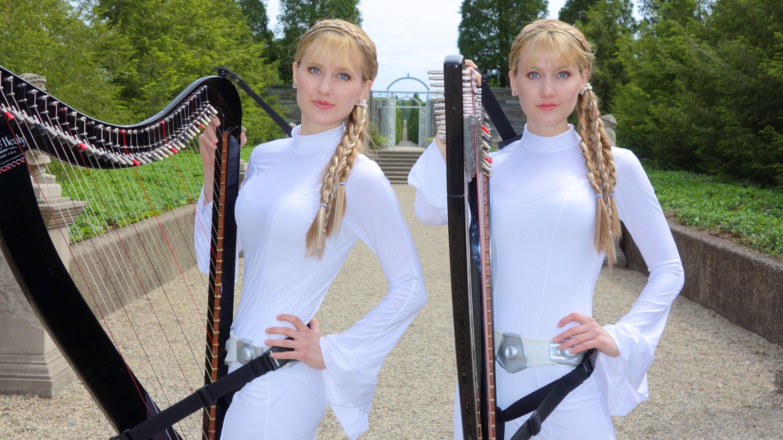 DVOJČATA HRAJÍ NA HARFU: Hvězdné války v podání 2 krásných dívek!