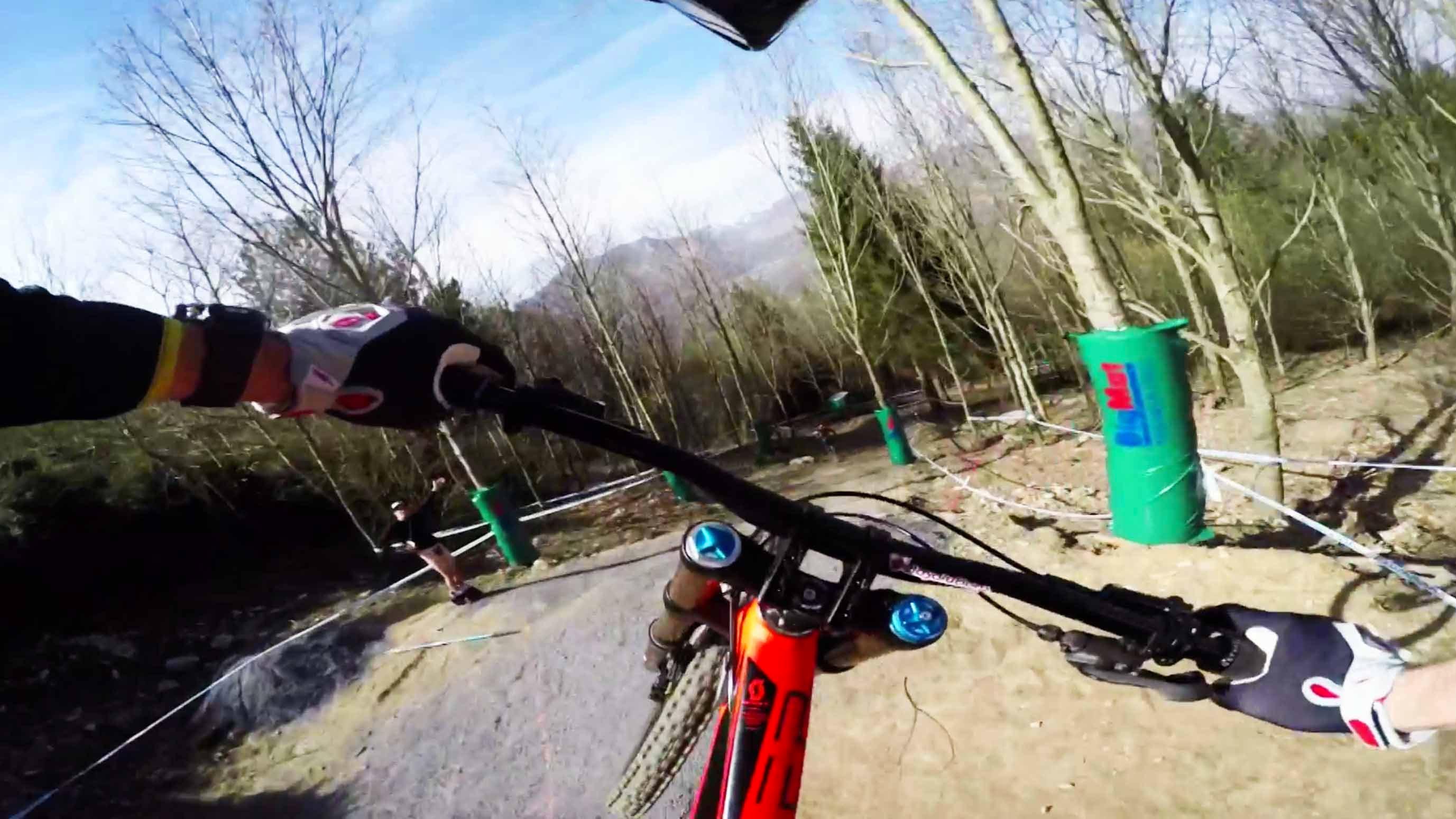 Downhill – prožijte jízdu s jezdcem