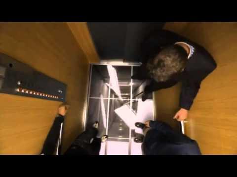 Padající podlaha – To ve výtahu nechcete!