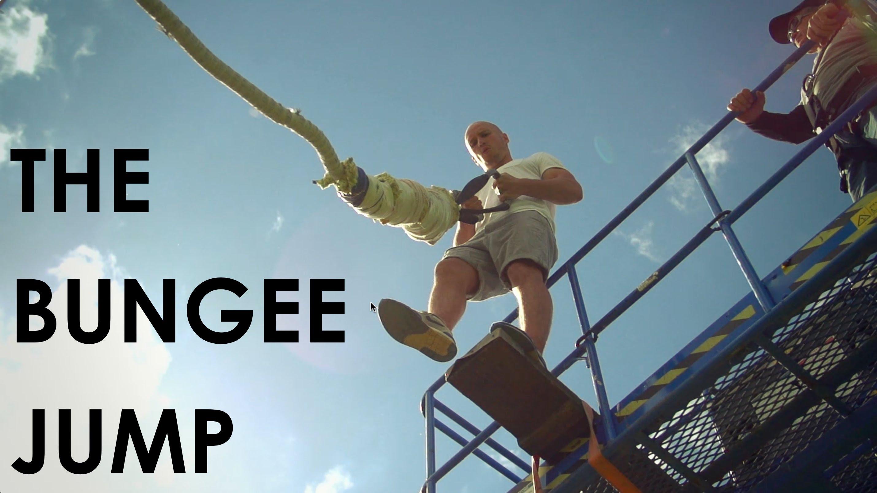 Bungee Jump bez jištění – muž se držel pouze rukama