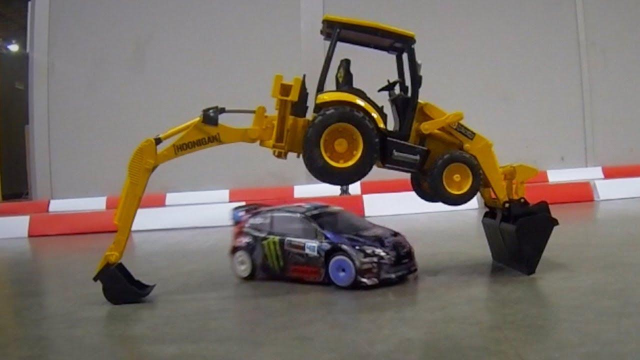 Neskutečné závody autíček!