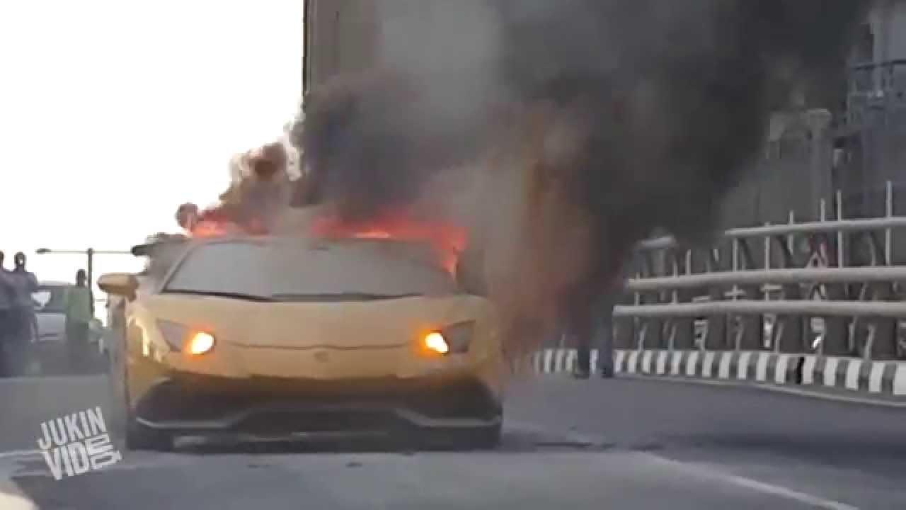 Pozor! Auto v plamenech