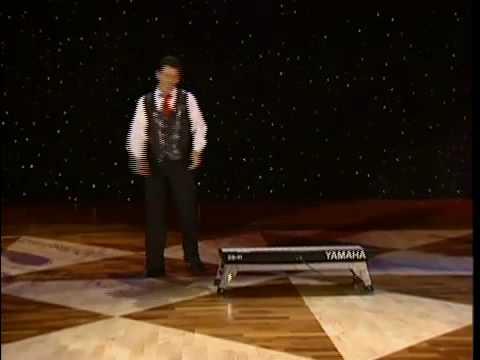 Netradiční pianista a ukázkový frajer v Las Vegas
