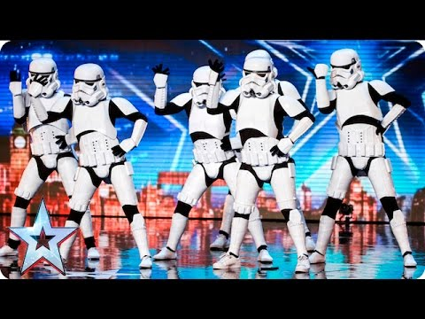 Všichni jim tleskali ve stoje! Podívejte se na neuvěřitelné vystoupení vojáků ze Star Wars!
