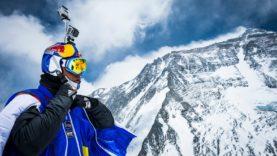 Největší seskok na světě z nejvyšší hory světa: Mt. Everestu!
