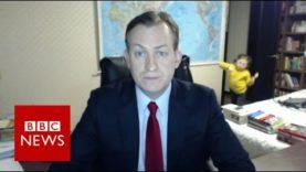 HIT INTERNETU: Přímý přenos pro zpravodaj BBC byl narušen výstupem dětí a akční maminky